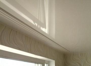 Карниз потолочный под натяжной потолок