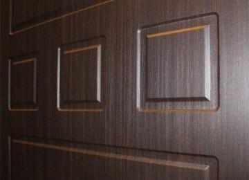Как установить МДФ-накладку на металлическую дверь своими руками
