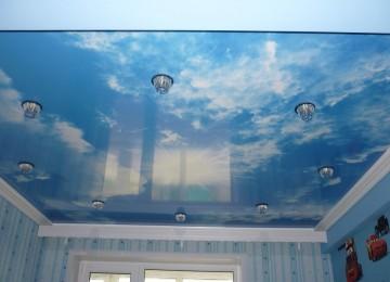 Натяжной потолок в детскую комнату для девочки и мальчика: фото, оформление