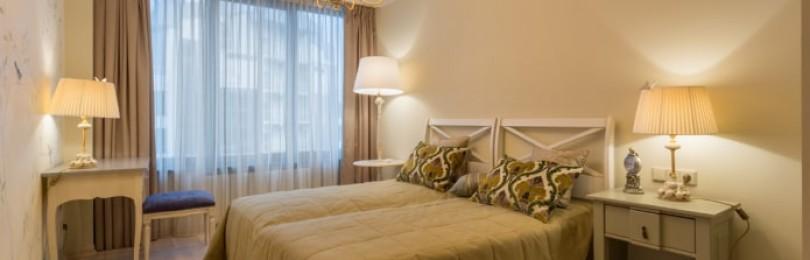Люстры в интерьере спальни (190+ фото)