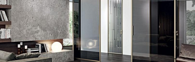 Зеркальные и стеклянные межкомнатные двери в интерьерах
