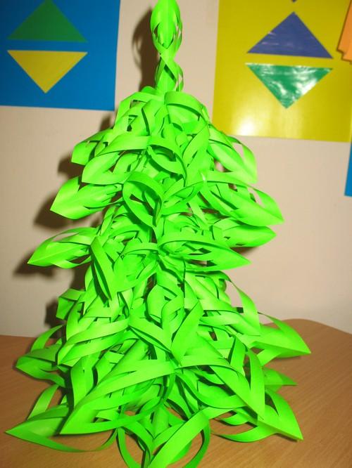 Объемная елка из бумаги своими руками + схемы и шаблоны для вырезания