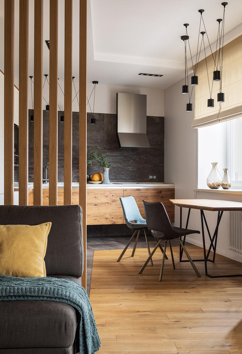 Деревянные рейки в интерьере: декоративные рейки из дерева для декора гостиной и кухни, спальни и других комнат, отделка квартиры и балкона