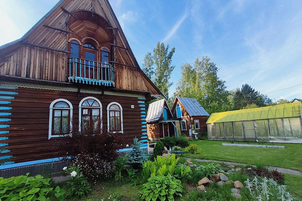 Где лучше жить – в коттеджном поселке или в деревне? разбираем минусы и плюсы
