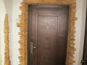 Отделка входной металлической двери изнутри в квартире: как выполнить ее своими руками