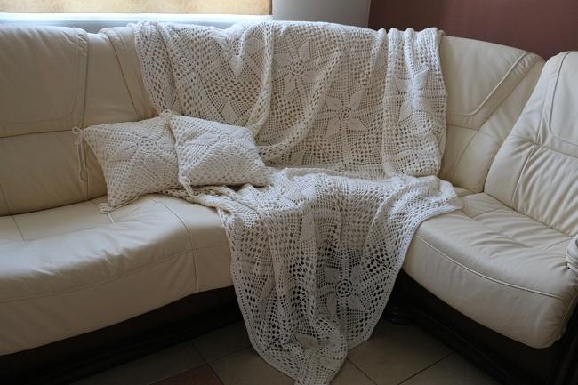 Покрывало на диван своими руками: выбор ткани, как сшить, связать