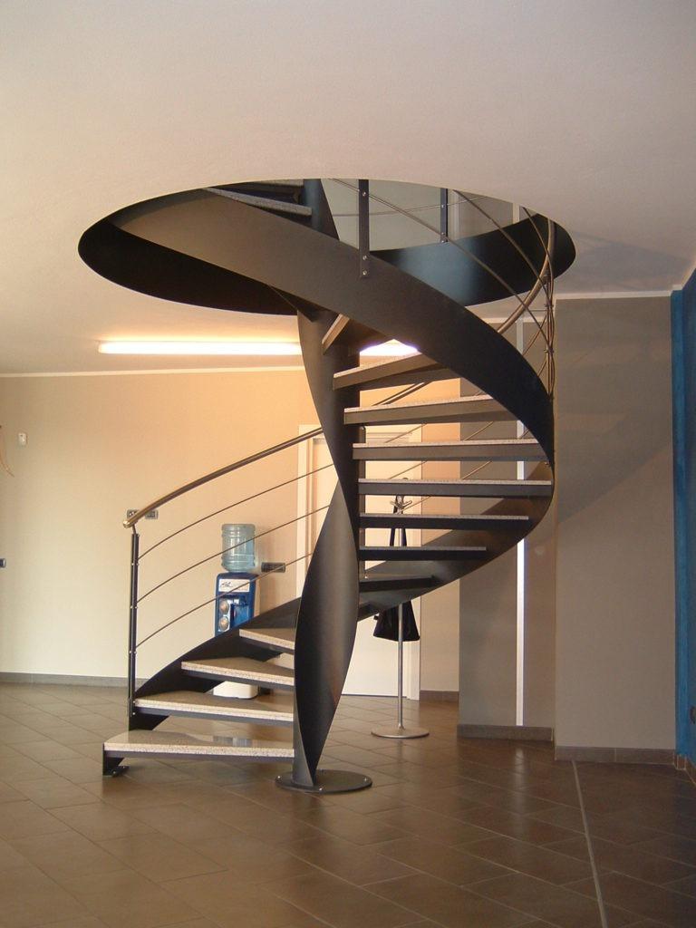 Лестницы из металла на второй этаж