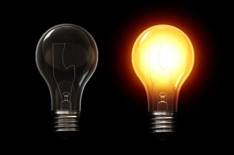 Почему моргает светодиодная лампочка при включенном или выключенном свете