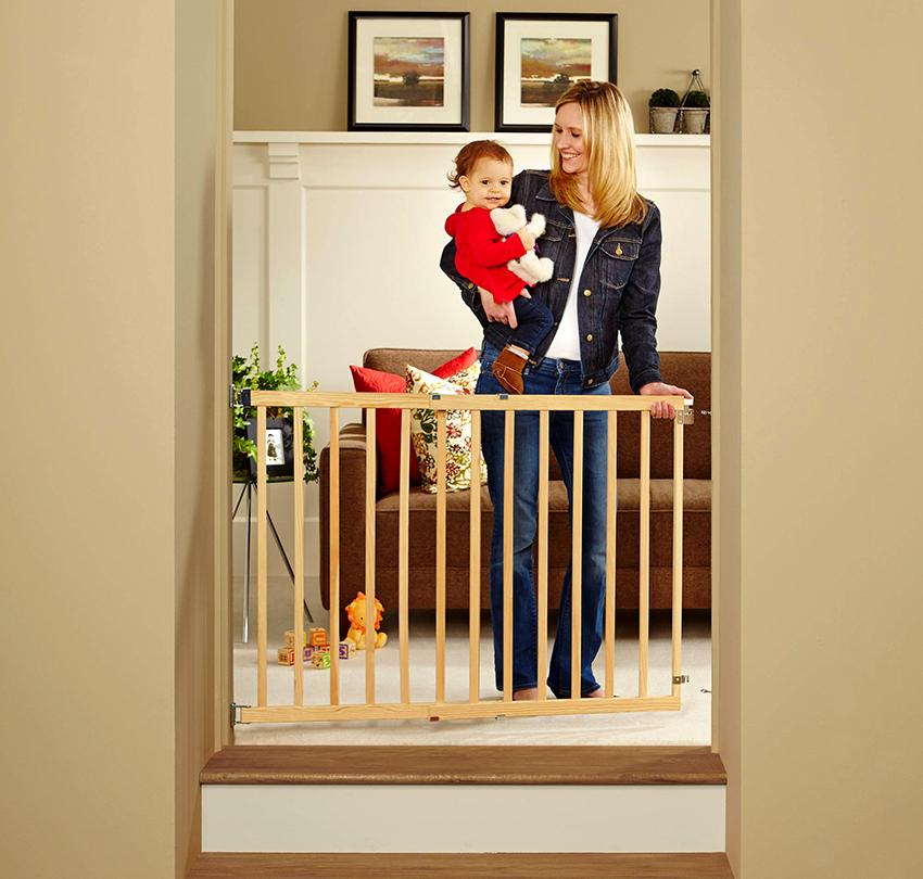 Ворота безопасности для детей на лестницу своими руками, как сделать