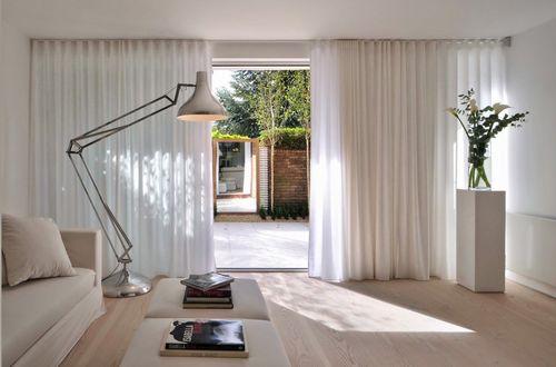 Встроенная мебель в прихожей: идеи 70 фото и стилевое направления