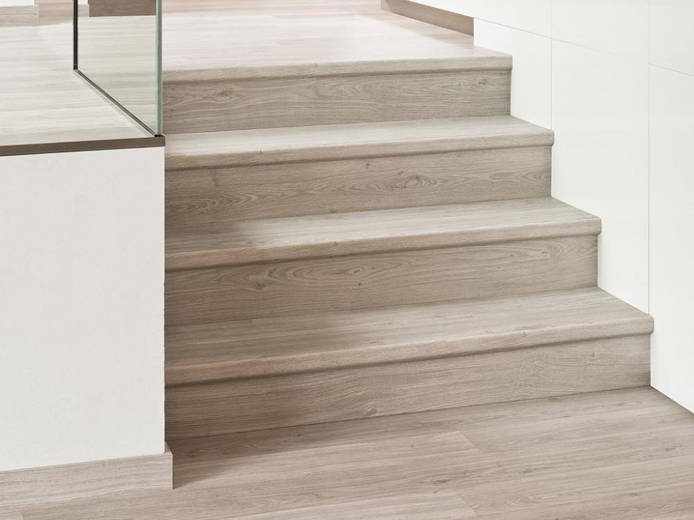 Облицовка лестницы деревом - оригинальное решение для дома или квартиры, советы и рекомендации, варианты отделки