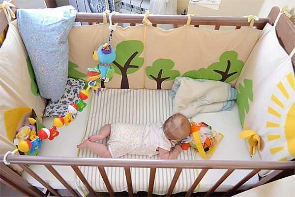 Бортики в кроватку: лучшие наборы для детской мебели и их характеристики (видео + 75 фото)