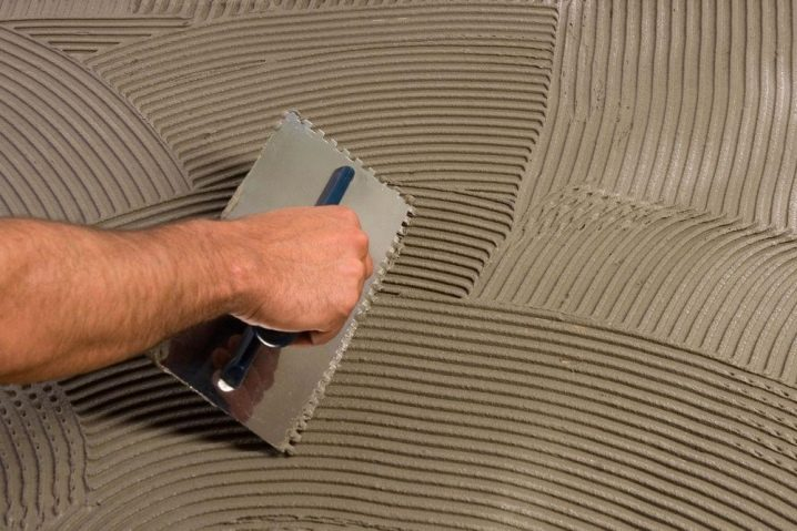 Какая гребенка нужна для укладки плитки?