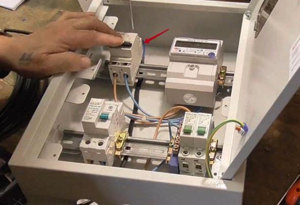 Уличный электросчетчик с дистанционным снятием показаний