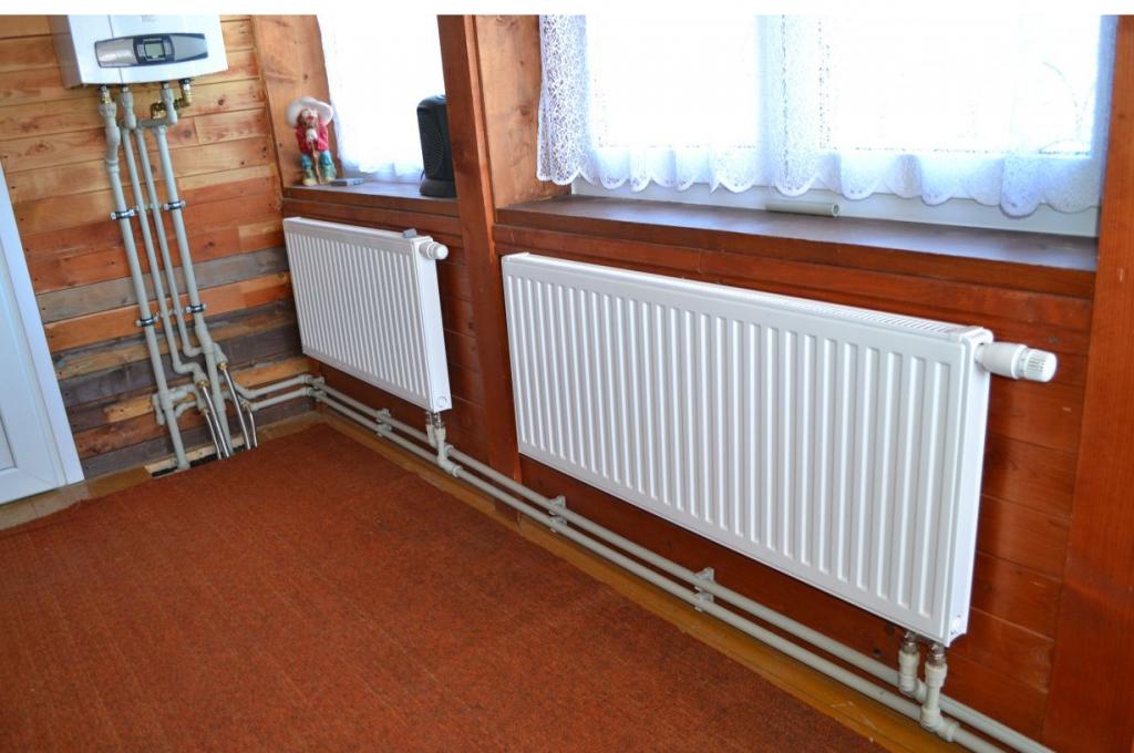 От них зависит, насколько будет тепло: какие радиаторы отопления лучше для частного дома?