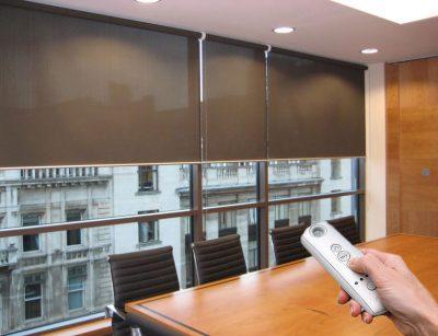 Купить автоматические рулонные шторы с электроприводом - компания новый стиль