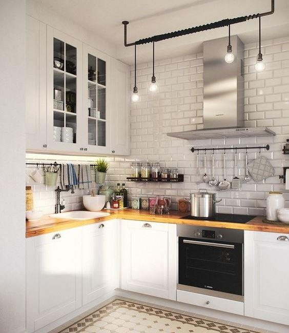Кухни по индивидуальному заказу в спб с качественными материалами.