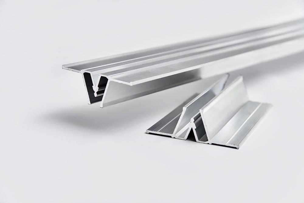 Потолочный багет для натяжных потолков: какой выбрать — алюминиевый, пластиковый, пвх, как сделать монтаж и крепление, фотографии и видео