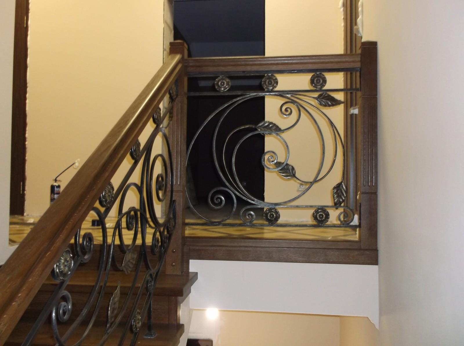 Перила для лестниц в частном доме – какие выбрать, из какого материала, как установить