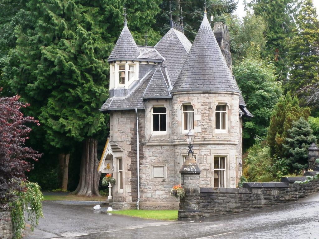 дом в стиле замка