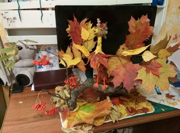 Как сделать поделки из осенних листьев: пошаговые инструкции по созданию букетов, панно, цветов, рамок и коллажей