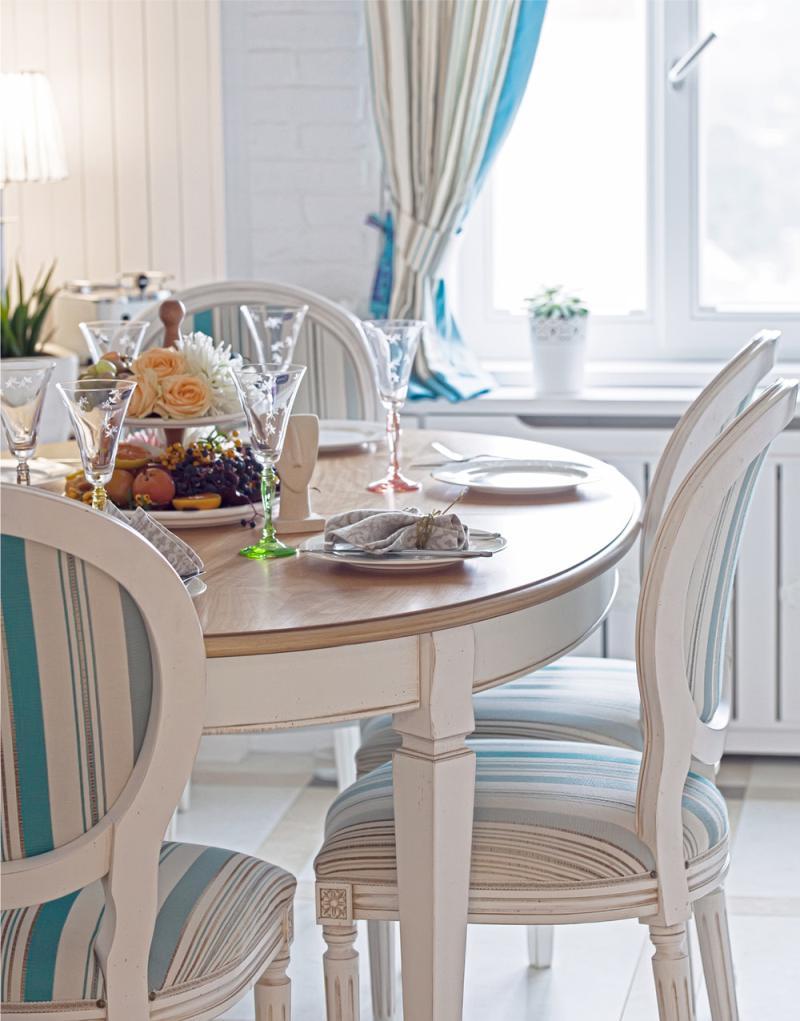 Как выбрать подходящую модель круглого стола для кухни или гостиной, популярные разновидности круглых столешниц, выбор стола в соответствии с дизайном комнаты - 44 фото