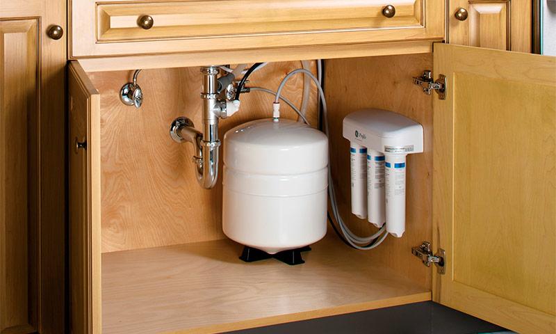 фильтр для воды с краном на раковине