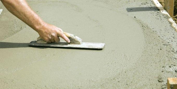 Для чего нужен пластификатор для бетона: область его применения, преимущества и недостатки
