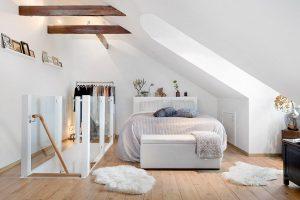 Спальня на мансарде: зонирование и планировка, цвет, стили, отделка, мебель и шторы