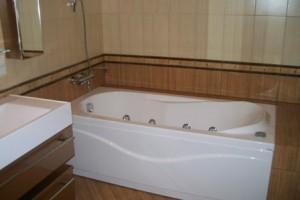 принять ванну или ванную