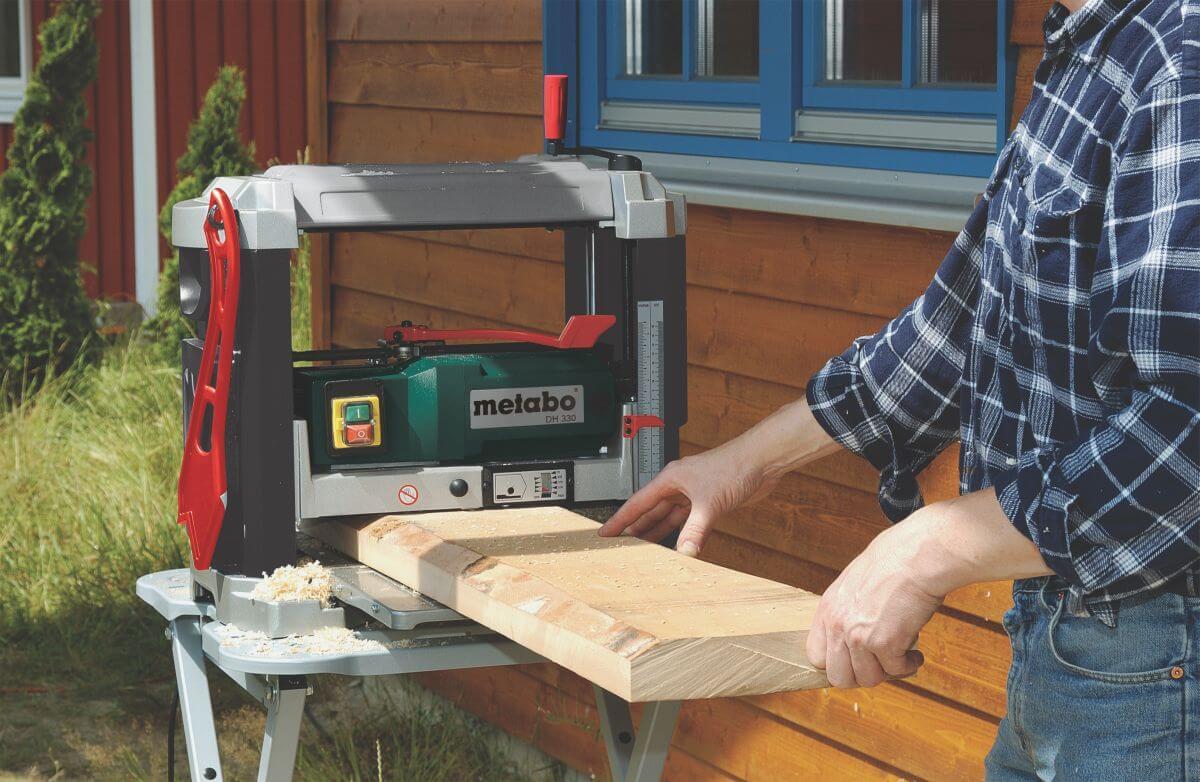 Фуговальный станок по дереву для домашней мастерской