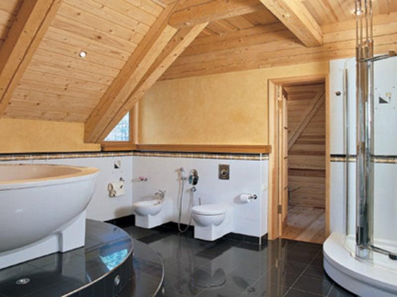 Отделка ванной комнаты в деревянном доме: пошаговая инструкция, фото-идеи