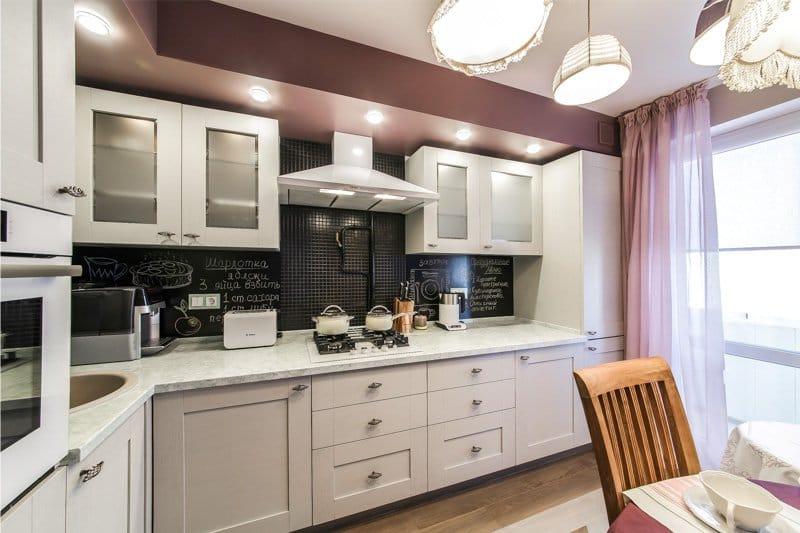 Варианты дизайна кухни 10 квадратных метров с балконом