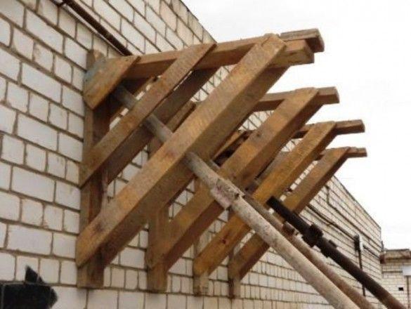 Изготавливаем строительные леса из дерева или трубы своими руками