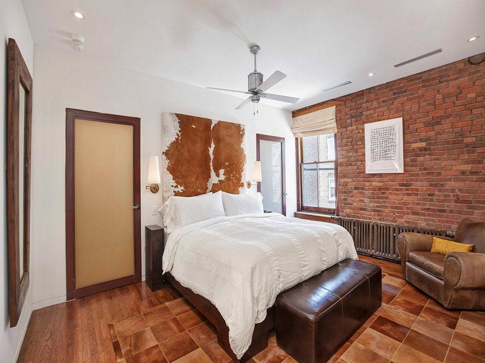 Кирпичная стена в спальне (43 фото): дизайн в стиле «лофт»в интерьере, декоративное оформление комнаты из белого кирпича