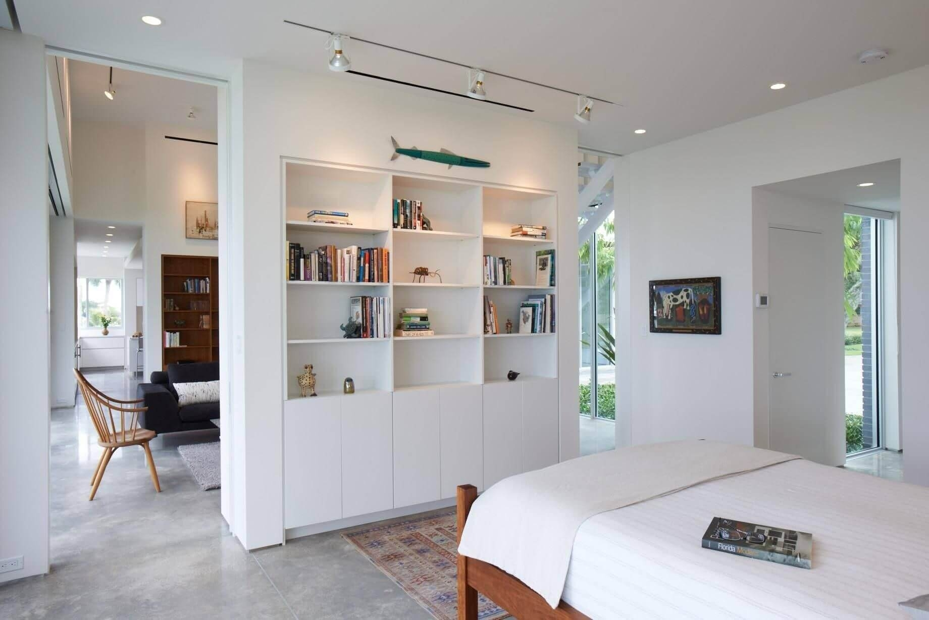Деление комнаты на две зоны перегородками - фото примеров
