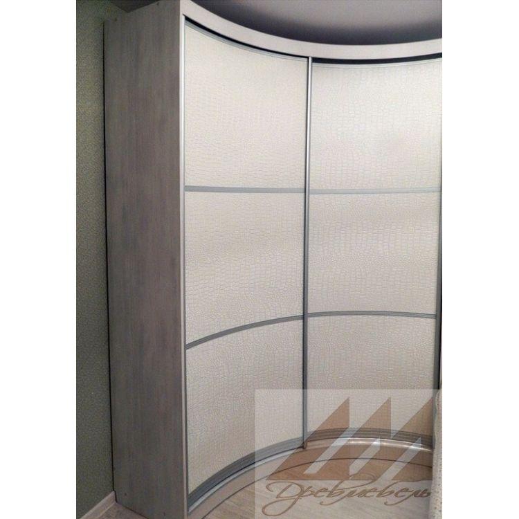 Радиусный шкаф-купе (73 фото): угловой полукруглый в прихожую, размеры и идеи в интерьере спальни, белый зеркальный, отзывы