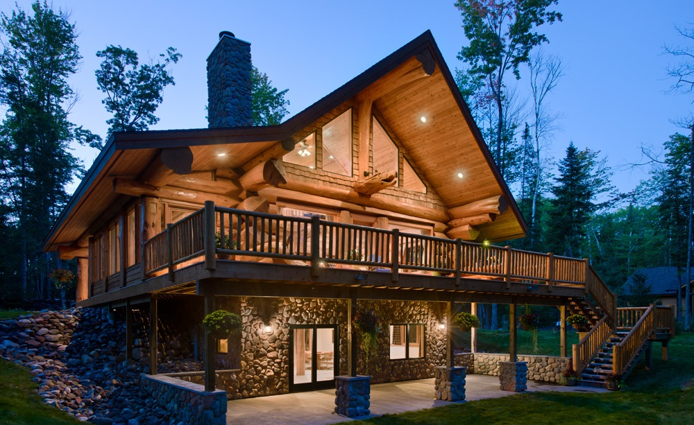 Дизайн внутри деревянного дома из бревна (68 фото): создаем интерьер в бревенчатом и оцилиндрованном домах с перегородками в светлых тонах