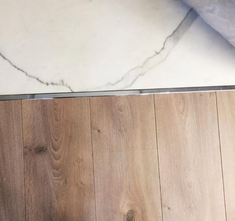 Стыковка ламината с ламинатом между комнатами без порожка