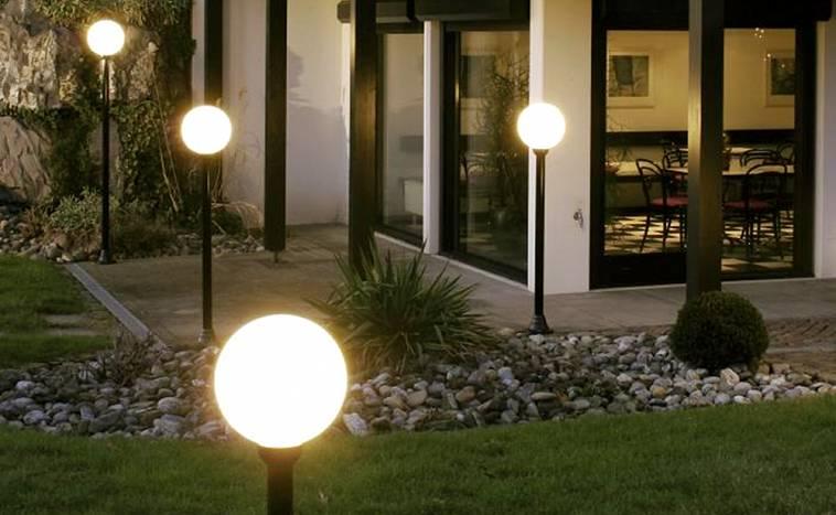 подсветка участка загородного дома