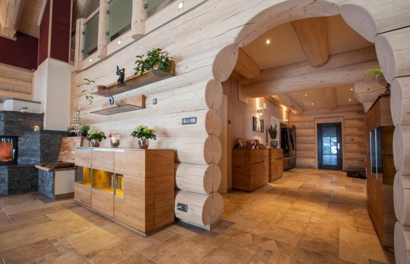 внутренняя отделка деревянного дома из бревна
