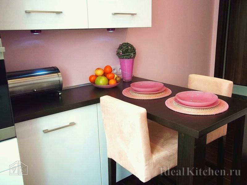 Раскладной стол для маленькой кухни - как выбрать?