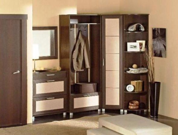 Встроенный угловой шкаф в прихожую: конструкции, особенности и правила выбора