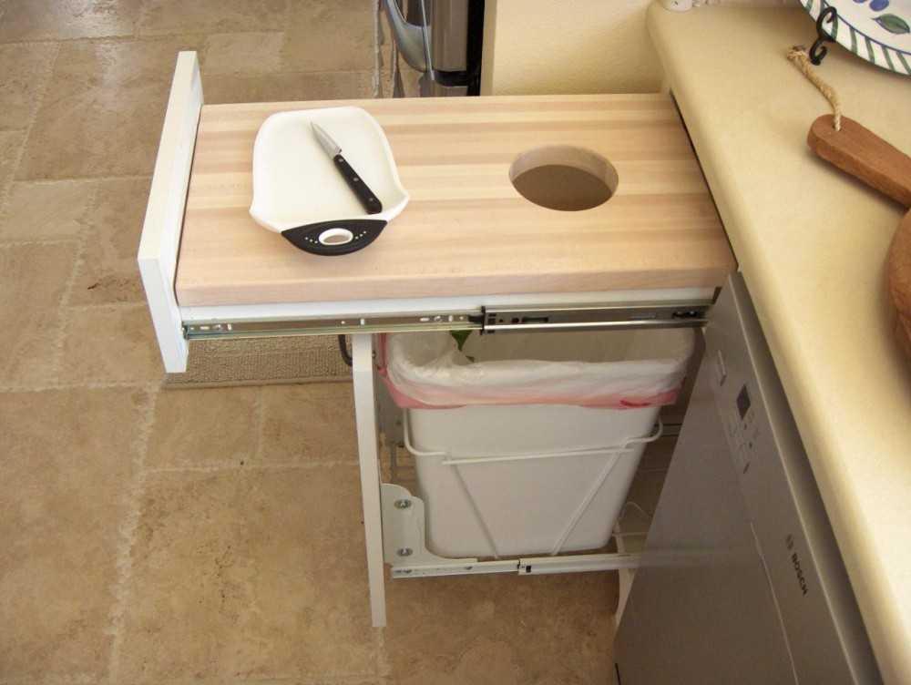 Встроенный выдвижной кухонный стол: модели и особенности