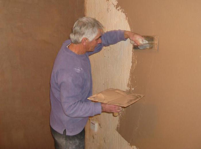 Как наносить короед на стену фасада правильно?