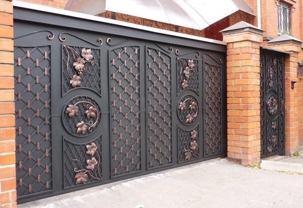 ворота с калиткой для частного дома фото