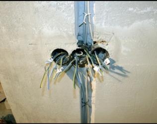 Особенности монтажа скрытой электропроводки