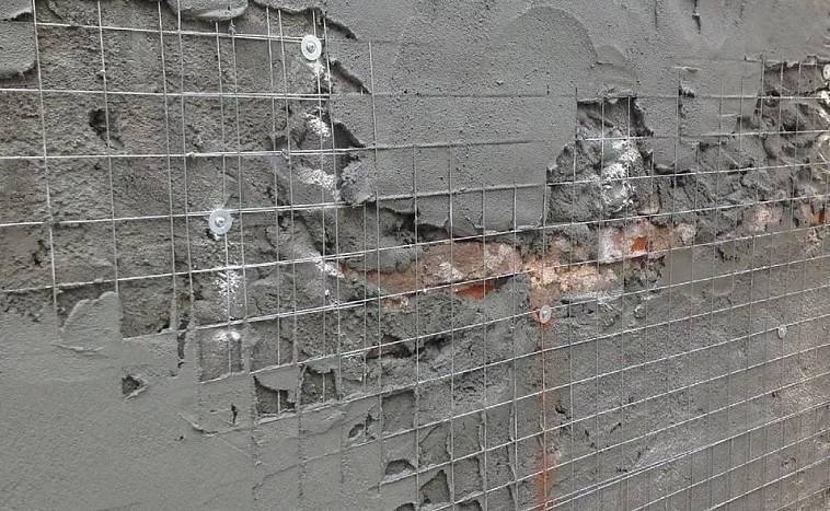 Какая должна быть толщина штукатурки на стенах