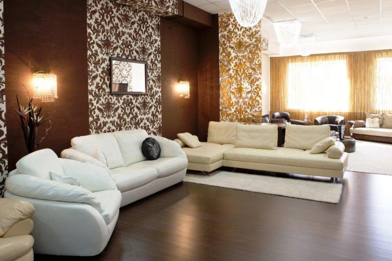 Коричневые обои (51 фото): какие лучше выбрать настенные покрытия в однотонном исполнении, обои на стены в темно-коричневых тонах с золотом и узорами в сочетании с мебелью в интерьере