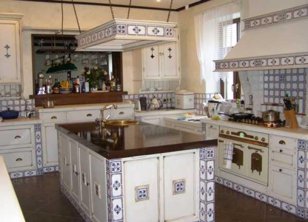 Фиолетовая кухня: особенности дизайна